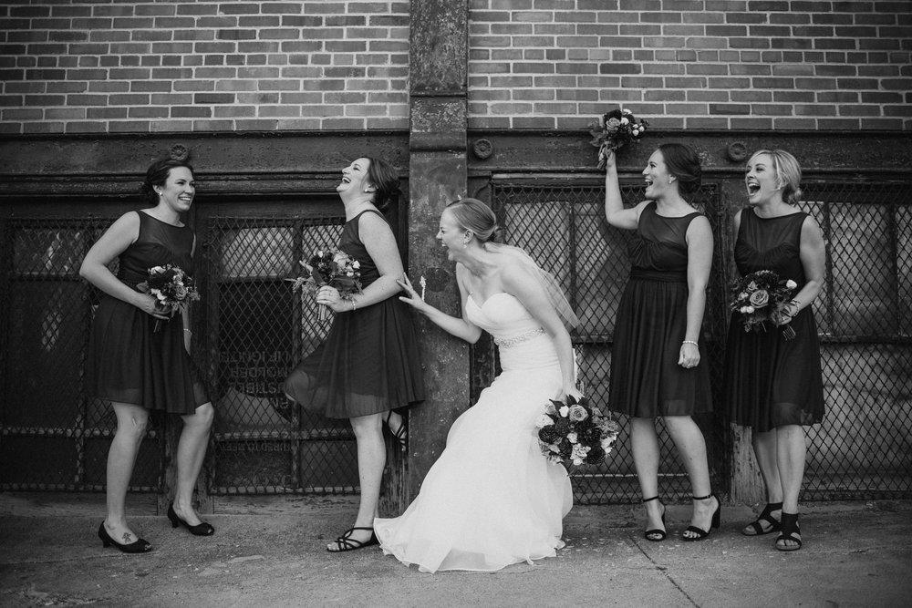 OMAHA-MARRIOTT-WEDDING-DOWNTOWN-MARRIOTT-OMAHA-WEDDING-PHOTOGRAPHER-JM-STUDIOS-027.jpg