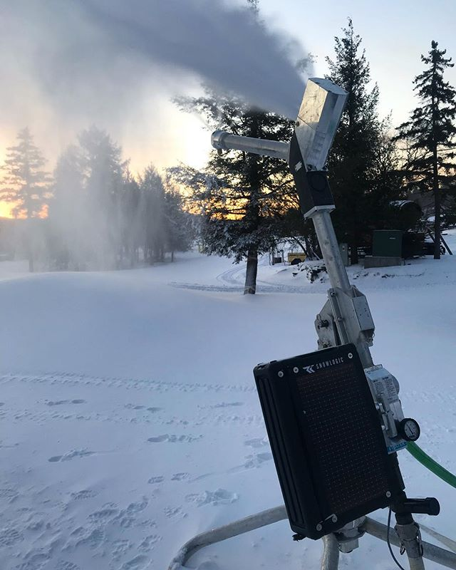 Rolling out the latest Rapid Fire Automation... ✔️ Wireless / portable ✔️ Battery operated / solar charged ✔️ No fixed infrastructure ✔️ Cloud based software; controlled from any device with internet / login credentials ✔️ Operated at ANY distance above / adjacent to hydrant ✔️ No pit required ✔️ Semi / fully automate SL snowguns & Fuse Air + Water Hydrants ✔️ Automate MOBILE & FIXED snowmaking units ✔️ Modular design; minimises field maintenance & down time ✔️ Rugged construction with military tested hardware ... #rapidfire #snowmaking #automation #noboundaries #sustainableslopes #thelatestlogic #innovatenotimitate #patentpending