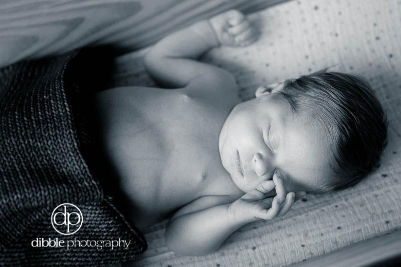 graeme-newborn-portraits-13.jpg