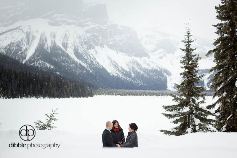 emerald-lake-winter-elopement-kg06.jpg