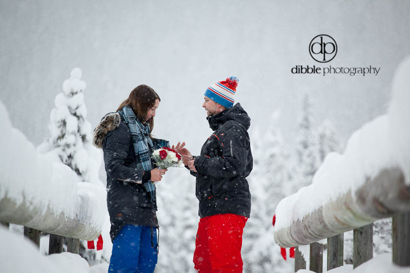 emerald-lake-winter-proposal-06.jpg