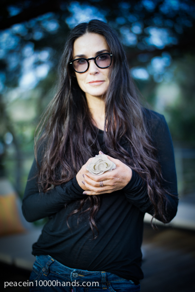 Demi-Moore-Peace-in-10000-Hands.jpg