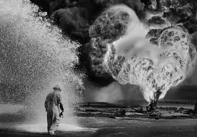 Sebastião Salgado, Greater Burhan Oil Field, Kuwait, 1991
