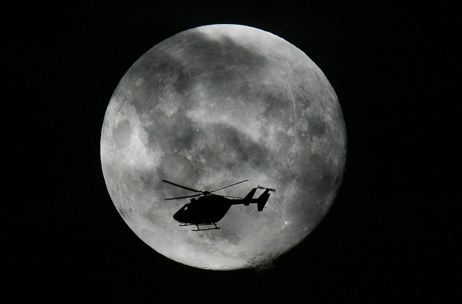 HELI AND MOON 2[2]
