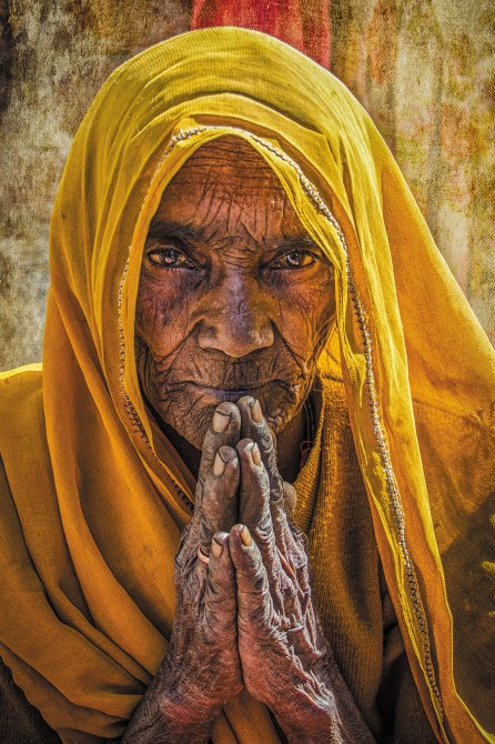 Old woman in Todi Garh