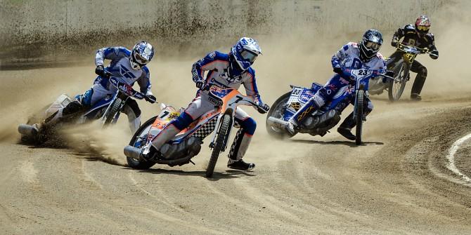 D_Hon_Speedway Scramble_Ron McKie FPSNZ AAPS AFIAP ARPS