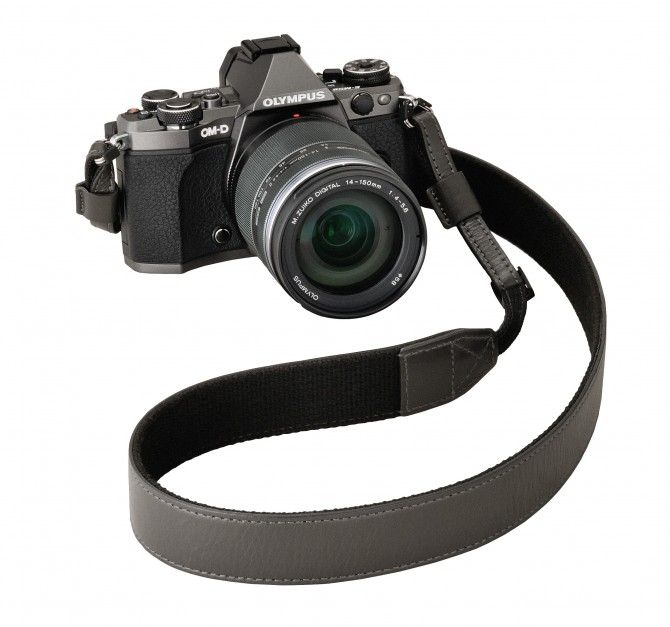 E-M5MarkII_GMT_Adventure Kit_strap