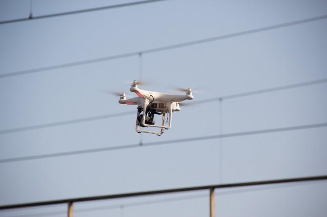 drone-464627_1280-670x446.jpg