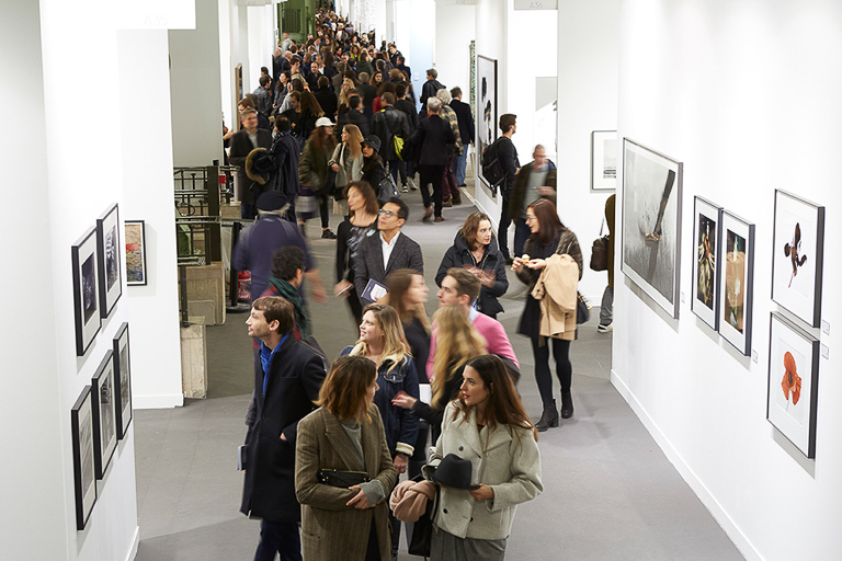 Opening evening of the fair's 20th edition, Grand Palais, November 9, 2016 © Jérémie Bouillon / Paris Photo
