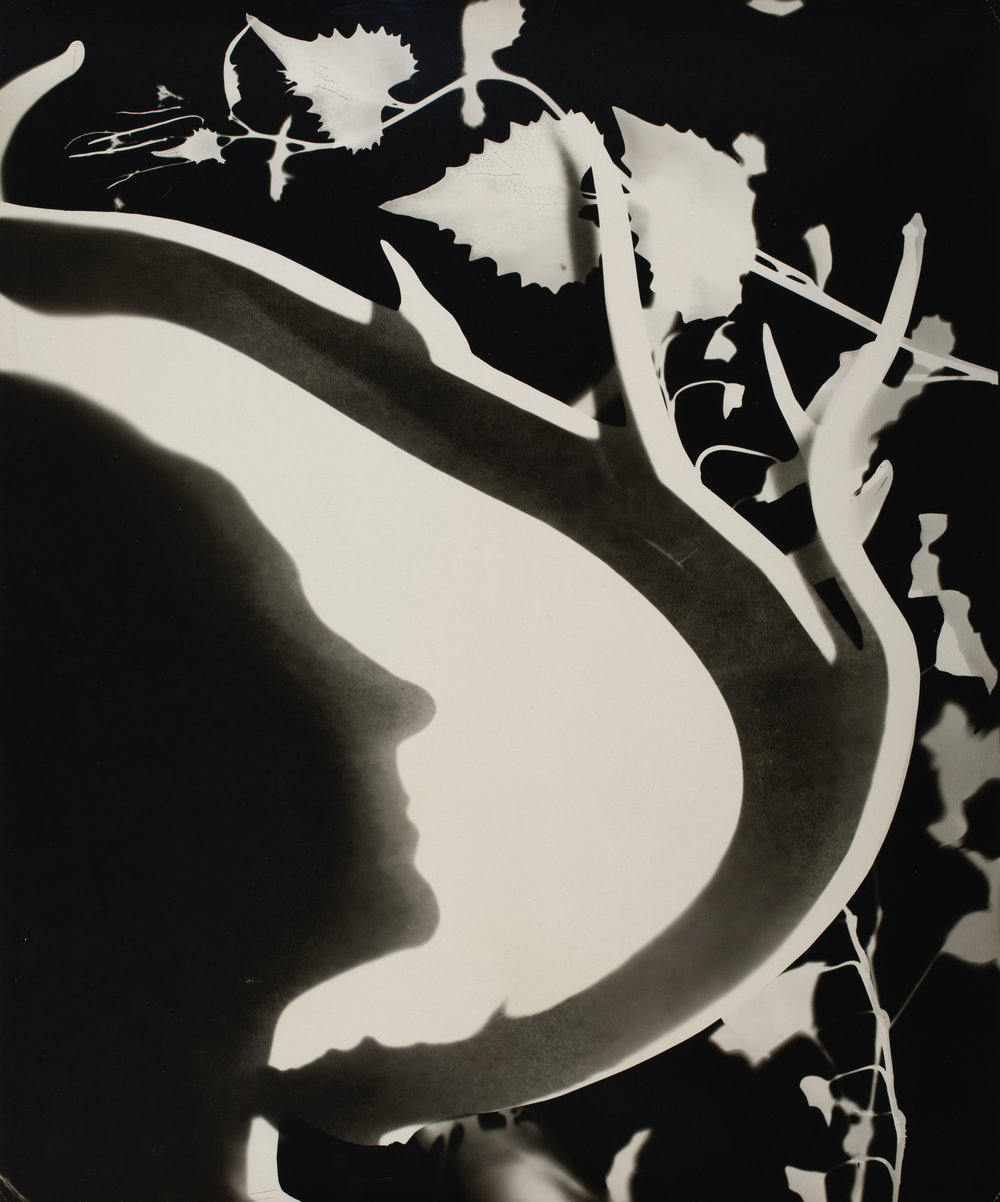 Len Lye, Georgia O'Keeffe, 1947, gelatin silver print, 42.9x35.9cm, Len Lye Foundation Collection, Govett Brewster Art Gallery