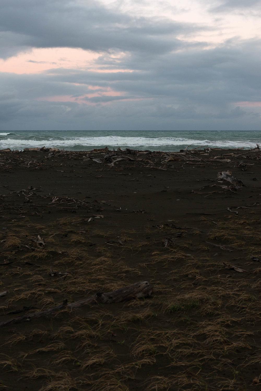 Natalie Robertson, He Wai Mou! He Wai Mau!, Takutai Moana — Rangitukia Hikoi 0–20 (2016–17)   Nikon D800E, Nikon 24–70mm f/2.8 lens, 50mm, 1/125s, f/5.6, ISO 80