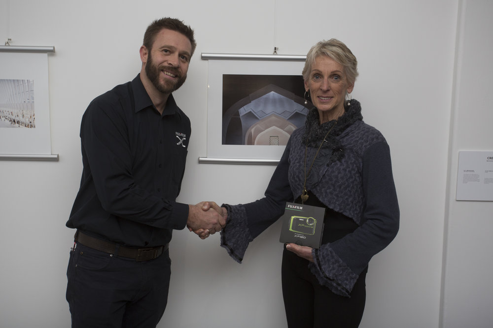 Ira Swales with third-placing Architecture photographer, Lyn Alves