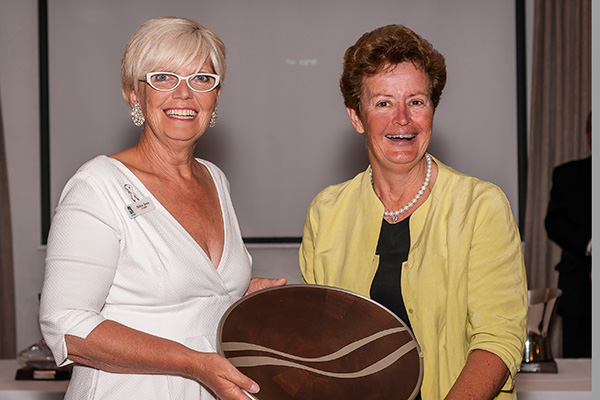 Shire of Strathbogie Mayor, Deb Swan     presents     Maygars Hill's Jenny Houghton w  ith the trophy for the Best Boutique Vineyard in Victoria    (Photo courtesy  Karen Hodge Photography )
