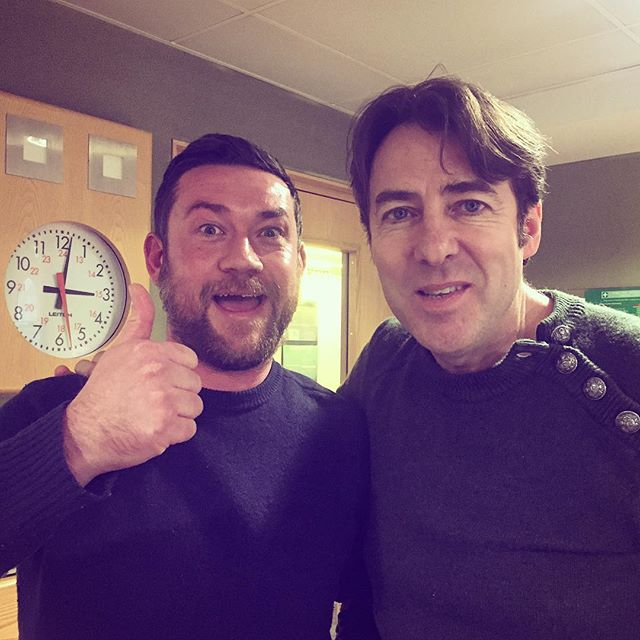 Me with Jonathan Ross last night on the BBC Radio 2 Arts Show. Pretty insane spreading the word about wildlife photography and @nhm_wpy in between Vivienne Westwood and John Simpson. Remember entries for #WPY53 need to be in by next Thursday 11:30 AM! Catch up on the iPlayer by googling Radio 2 Arts Show - my interview is around 1h25 in.. Enjoy! #wildlifephotography #wpy #wildlifephotographeroftheyear #bbc #jonathanross #wossy #radio2 #bbcradio2 #👍