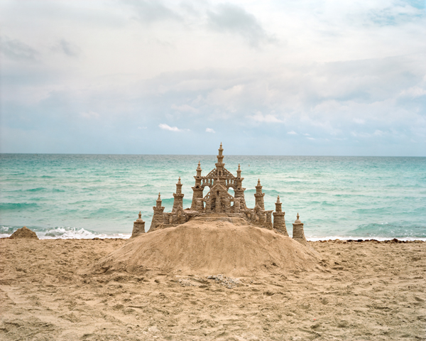 Castle , 2012, FL   ©  Richard Renaldi