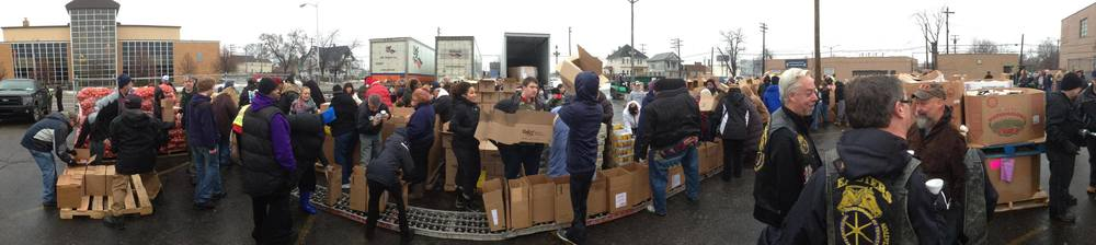 2013 Metro Detroit AFL-CIO Community Services Holiday Food Basket Giveaway
