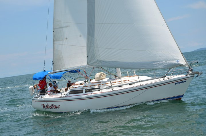 CATALINA 34, STANDARD 1987. Family use. Asking $ 55.000.-