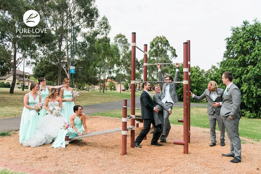 fun wedding photos of bridal party