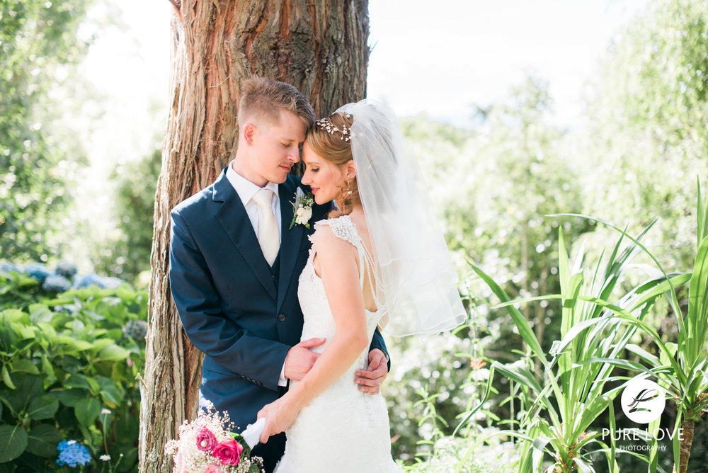 bride and groom tauranga farm wedding