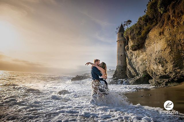 Courtney and Justin's engagement photos were an absolute dream to take! ❤️❤️❤️ . . #lagunabeach #california #lagunabeachengagement #lagunabeachphotographer #epicengagementsession #epicengagementphoto #bestengagementphoto #waves #crazyengagementsession ##piratetower #laphotographer #destinationphotographer #destinationweddingphotographer #losangeles #sunsetbeachengagementphotos #epic