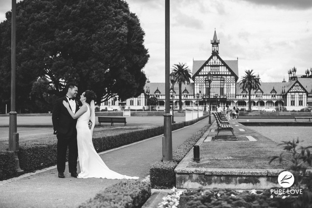 Blue_Baths_Rotorua_Wedding_1.jpg