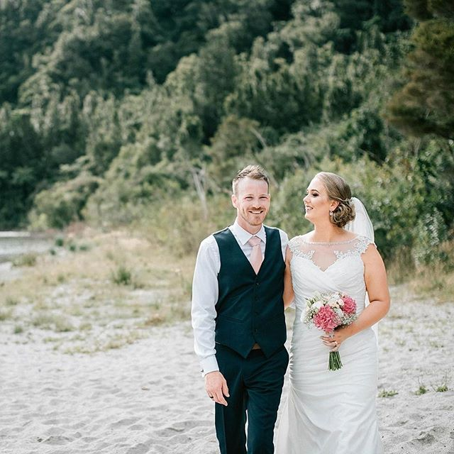 Kelly & Chris ❤️ Venue: @lakes_lodge  Make up: @stacimakeupartist 😍 Hair: @sharynbutters  Flowers: @crimsonroseflorist . . #wedding #lakeslodge #lakeslodgewildernessretreat #lakeslodgeweding #okataina #okatainalakewedding #lakeslodgewedding #lakeslodgeokataina #rotoruawedding #rotorua #rotoruaweddingphotographer #staciedwards #sharynbuttersmakeupandhair #chrimsonroseflorist #weddingphoto #happycouple love