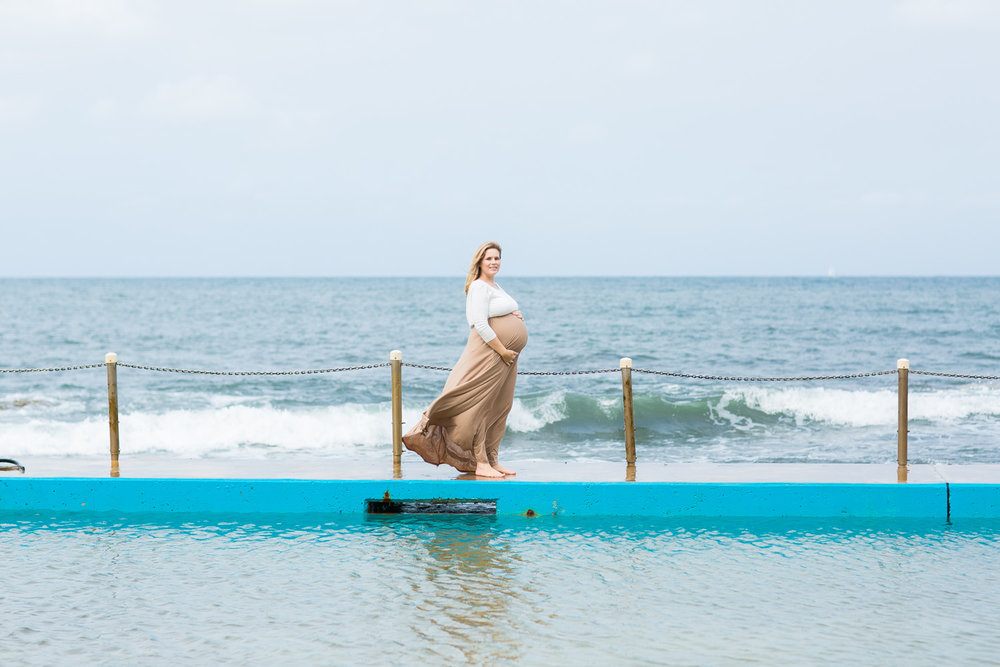 Ashley maternity shoot LR-348.jpg