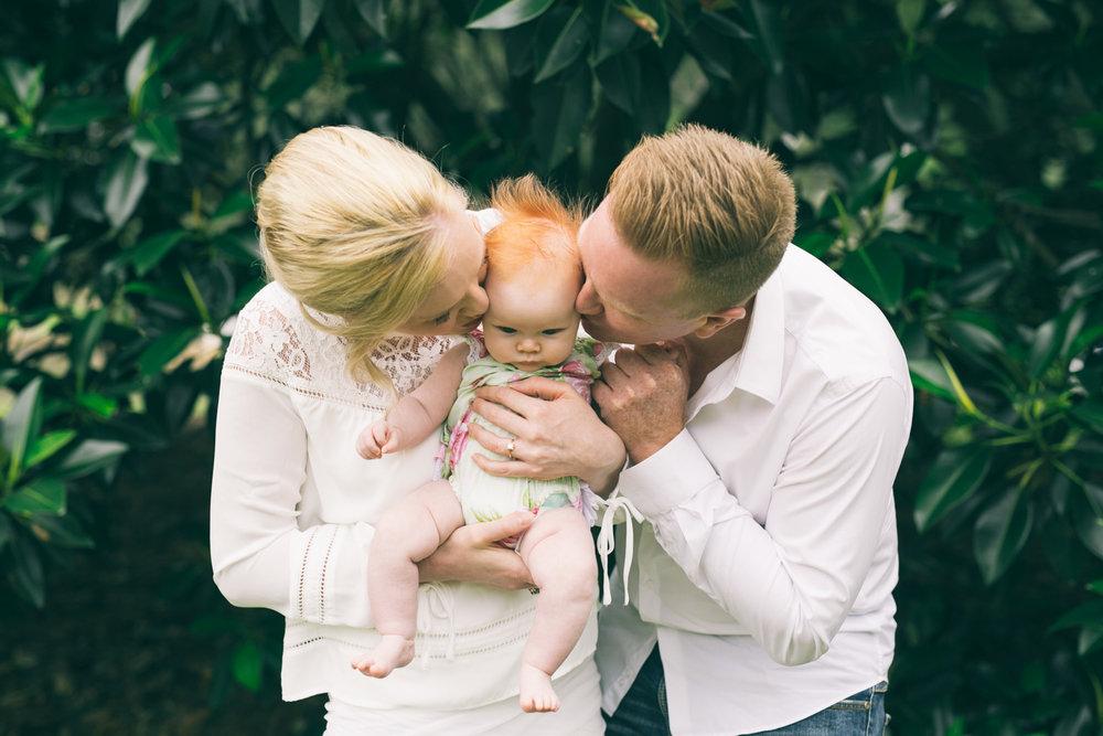Erin family photo shoot LR-52.jpg