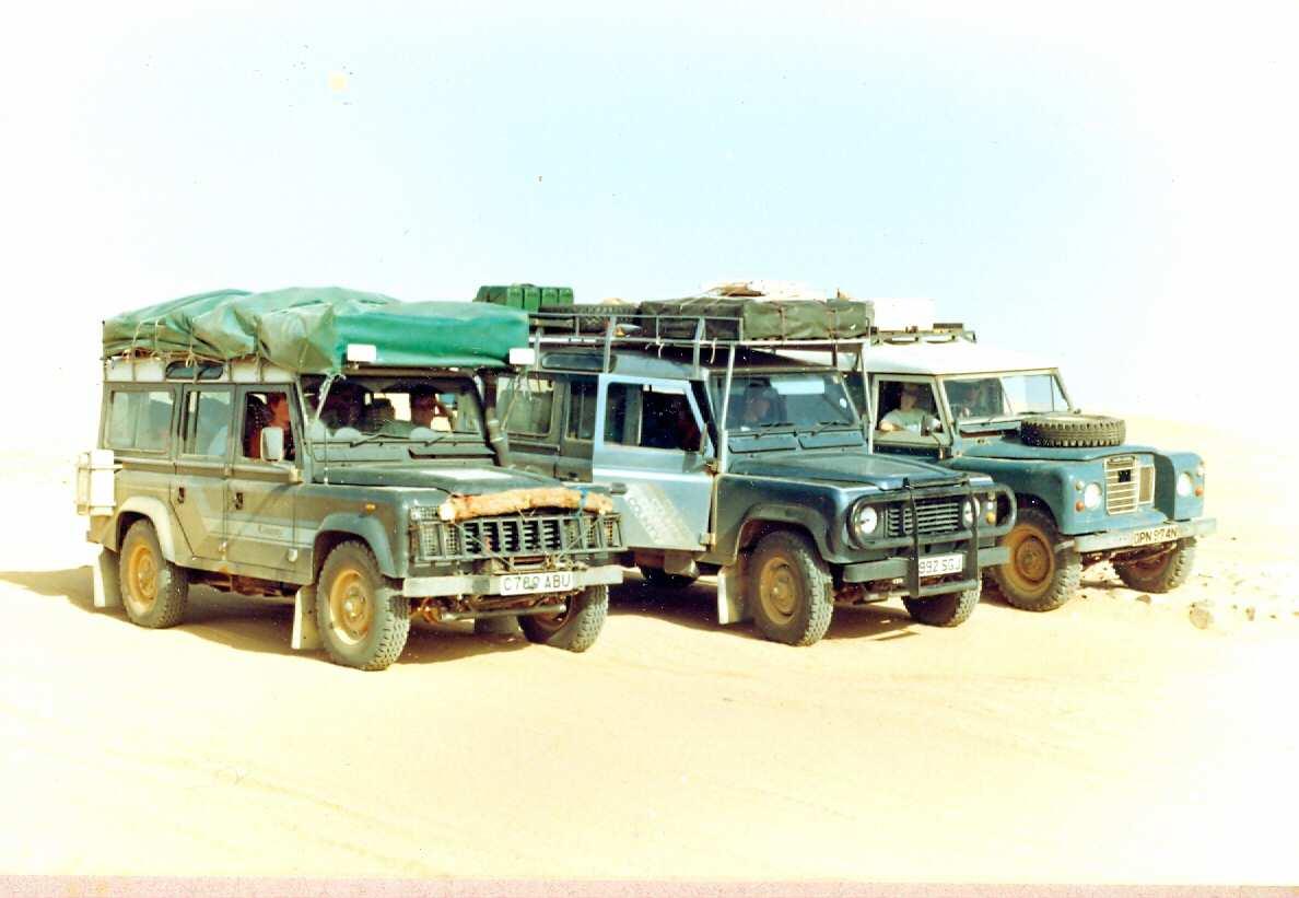 Algeria Tamanarasat-In Guezzam Landy Convoy1
