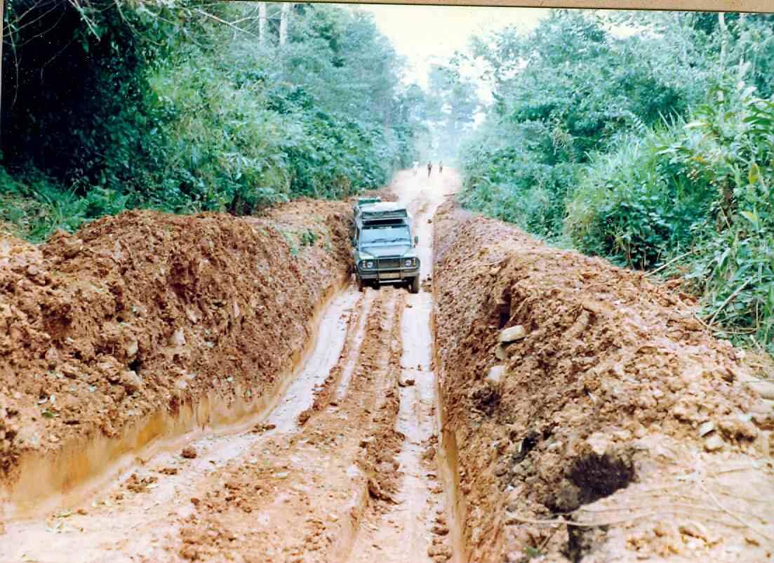 Zaire Mambasa-Beni Now that's what you call a Pothole