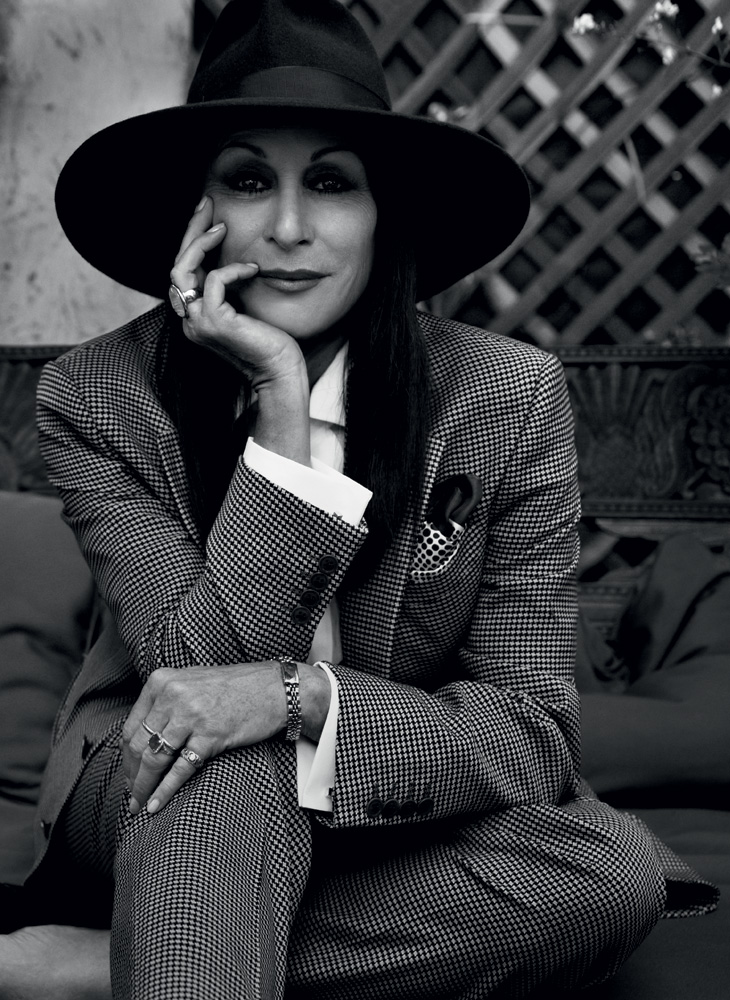 079-anjelica-huston-theredlist.jpg