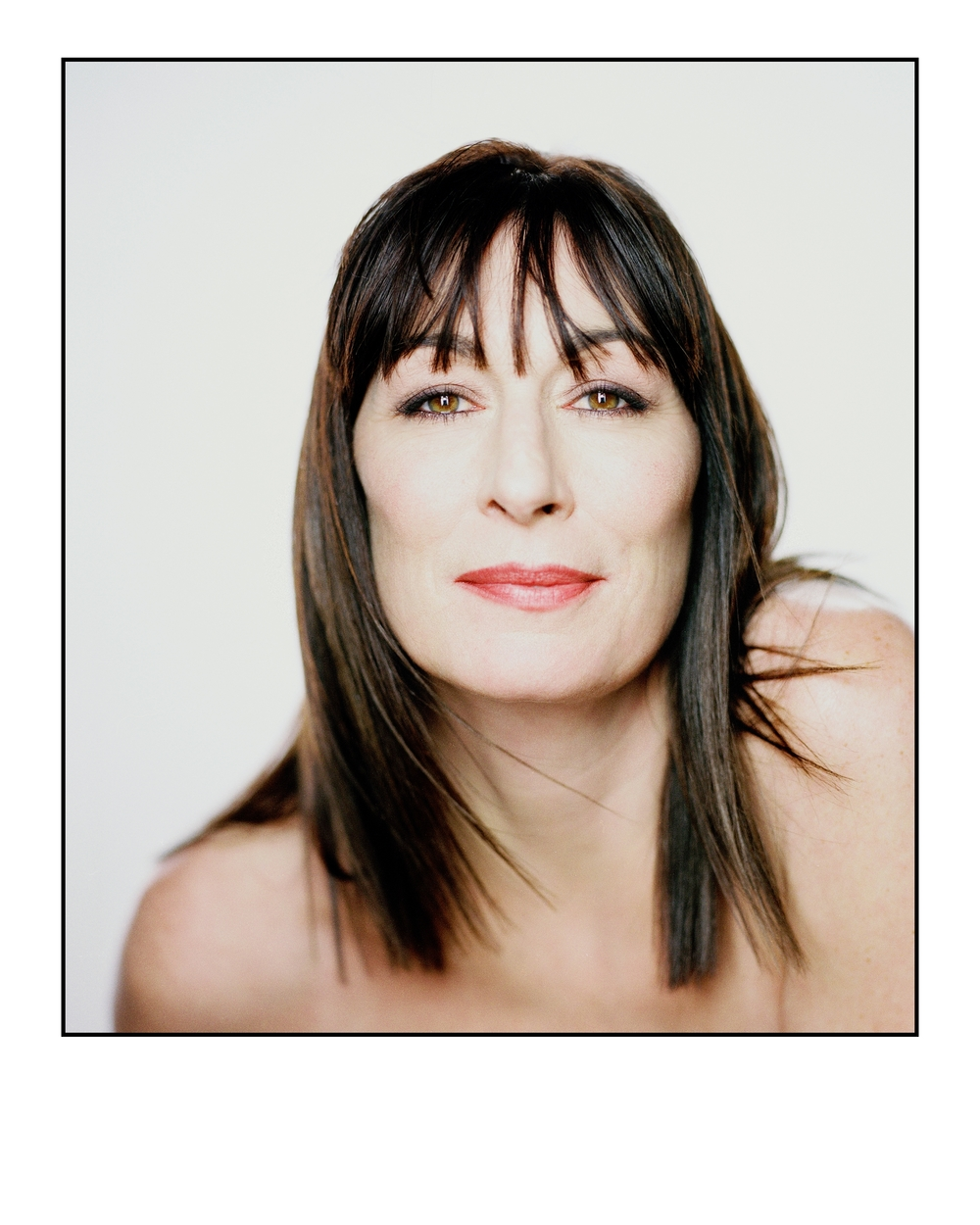 059-anjelica-huston-theredlist.jpeg