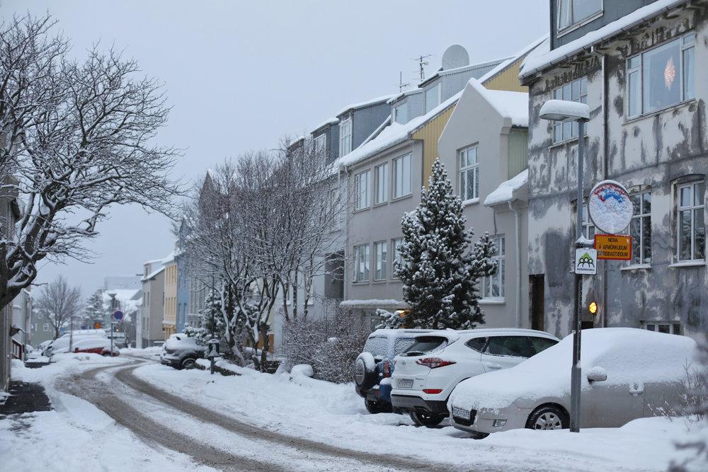snow-reykjavik-iceland-snowday-white-winter-bjorggunnarsdottir