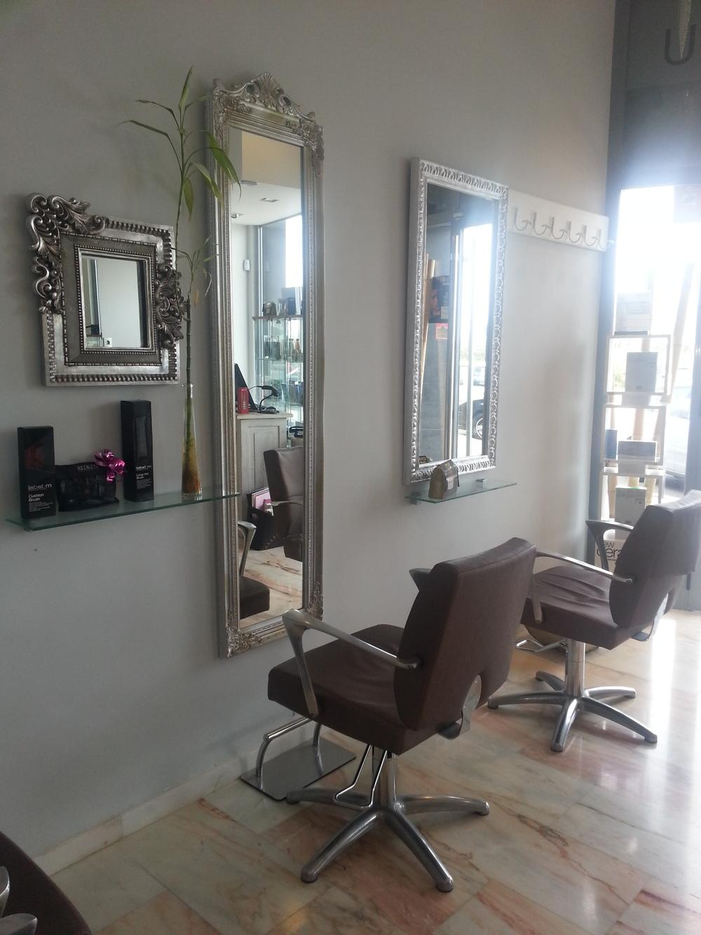 Blog de belleza baransu peluqueros ibiza peluqueria y for Espejos de diseno para salon