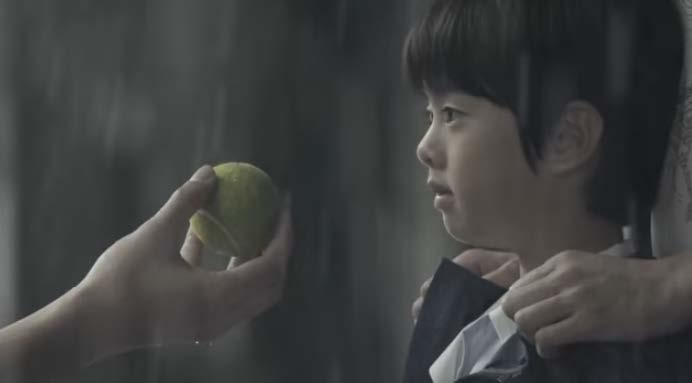 表演前的國泰廣告 (我覺得這廣告超適合宜蘭童玩節的) https://www.youtube.com/watch?v=qKlyfaJlSmQ