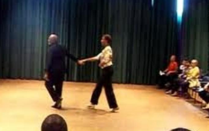 Dancing_Reina.jpg