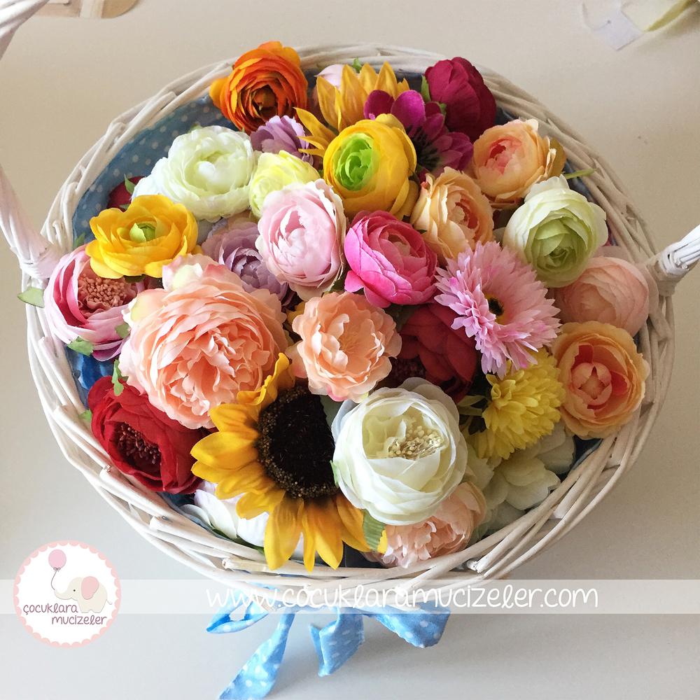 Çiçekli Yaka İğneleri