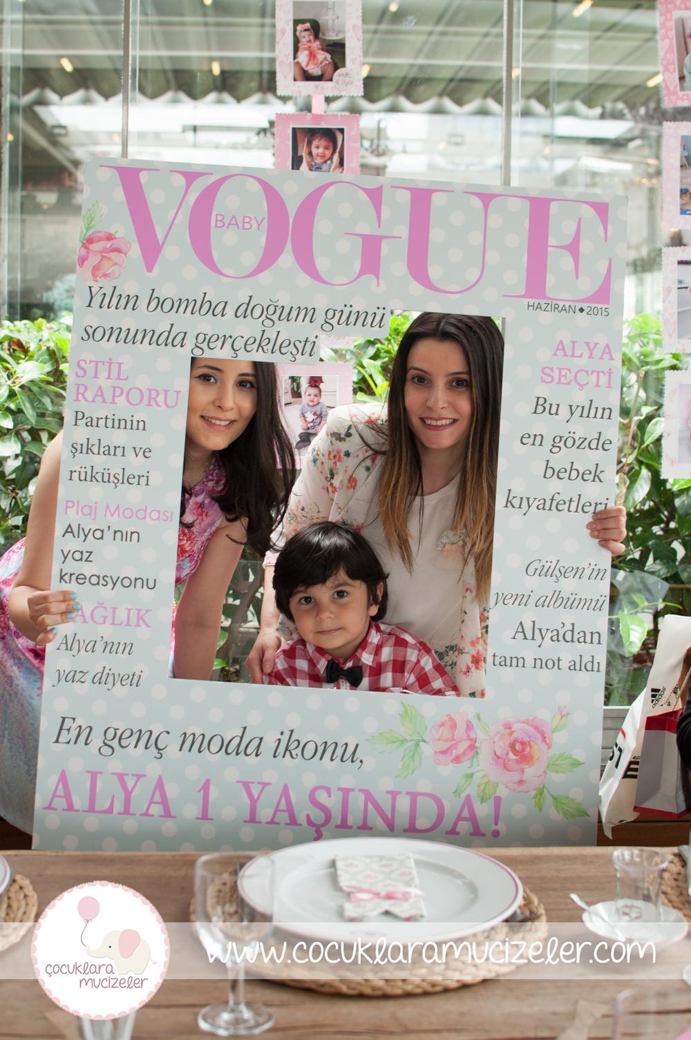 Dergi Baskılı Fotoblok Çerçeve