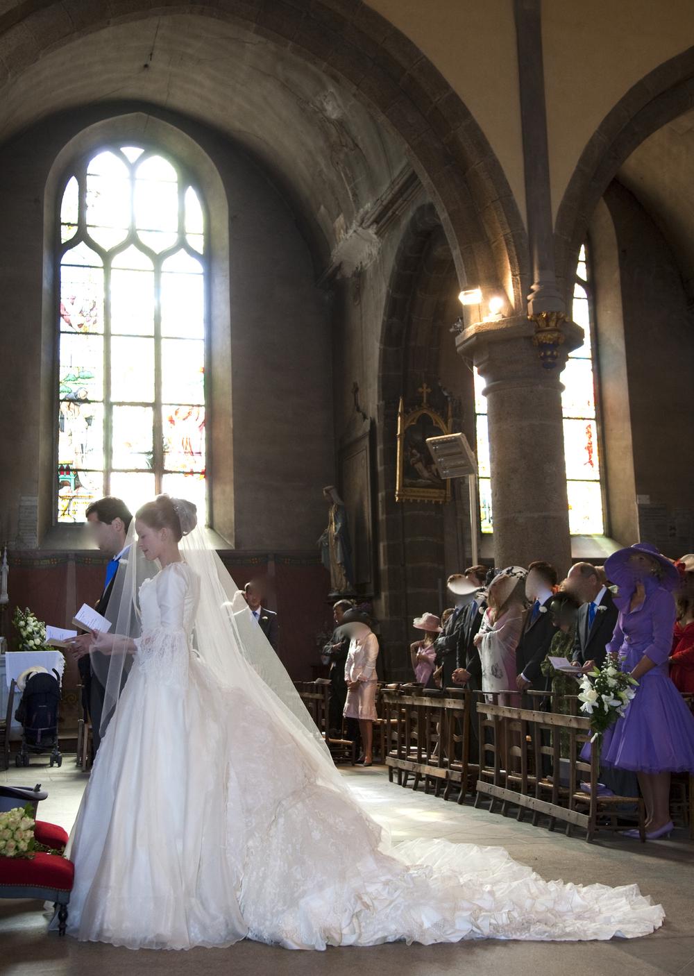 Robe de mariée en soie à longue traîne