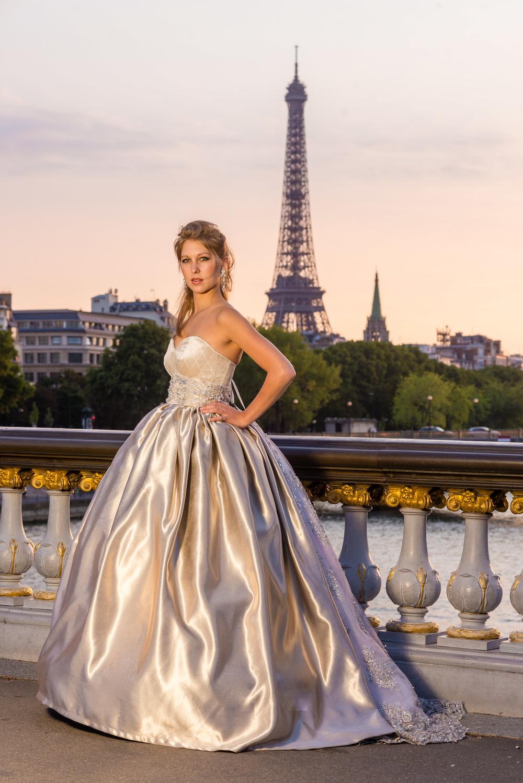 Robe de mariée Couleur de Lune. Crédit photo : J&TPHOTO PARIS