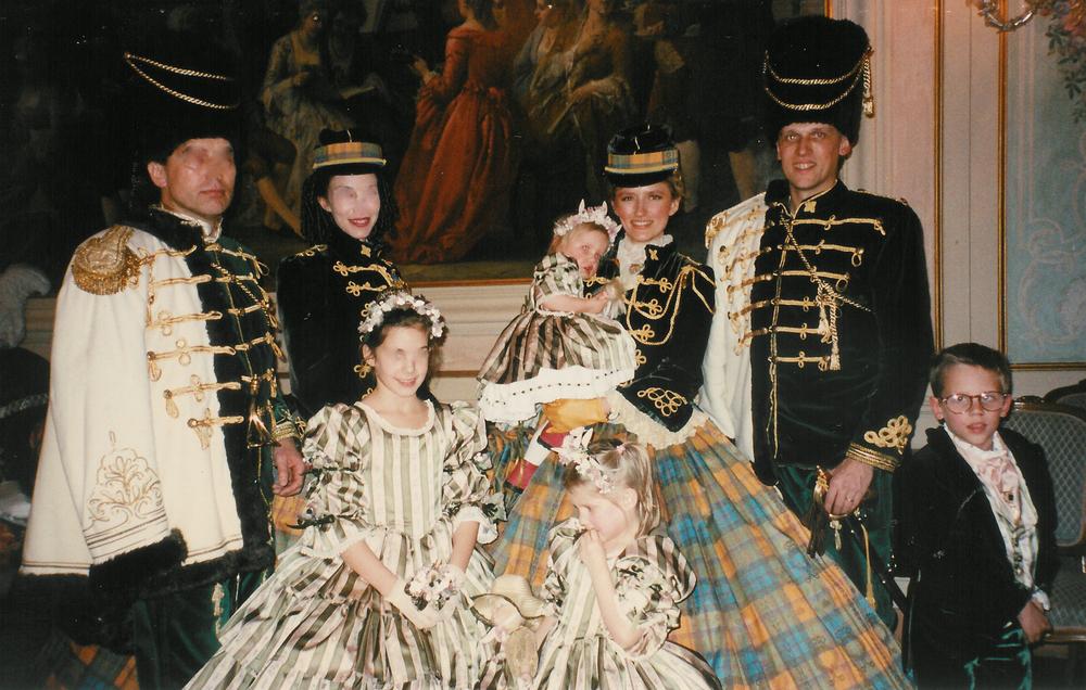 Groupe de Hussards et costumes enfants