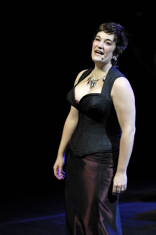Costume de scène pour la chanteuse Colombe