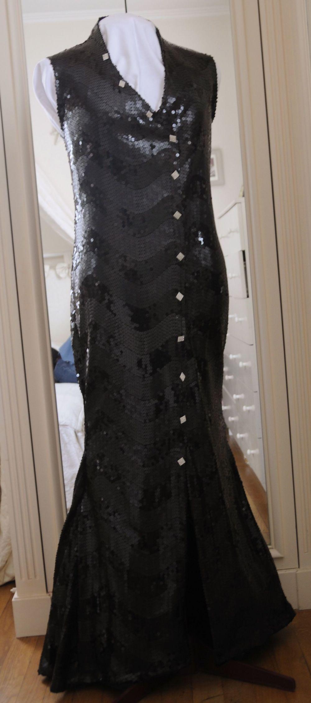 Robe du soir noire pailletée