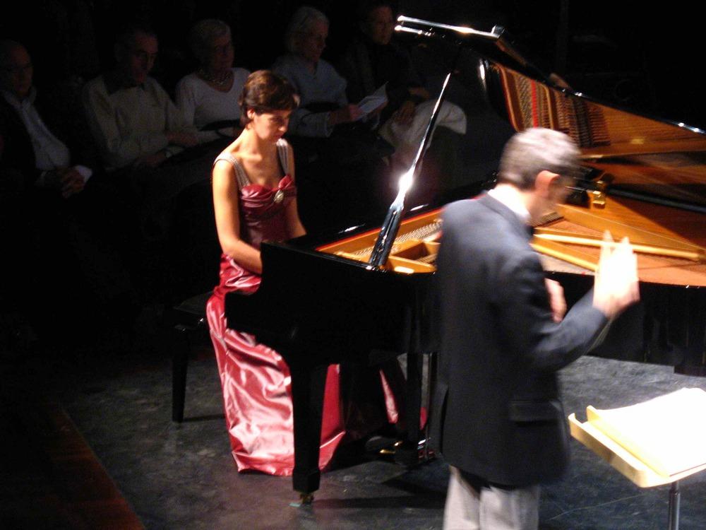Robe longue en taffetas pour la pianiste Isabelle Eclancher