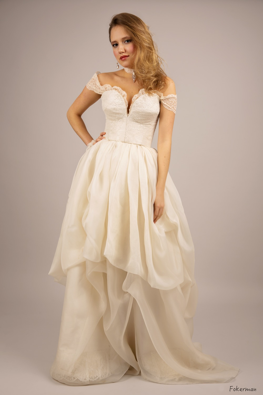 Robe de mariée Anastasia manchettes dentelle organza Agnes Szabelewski.jpg