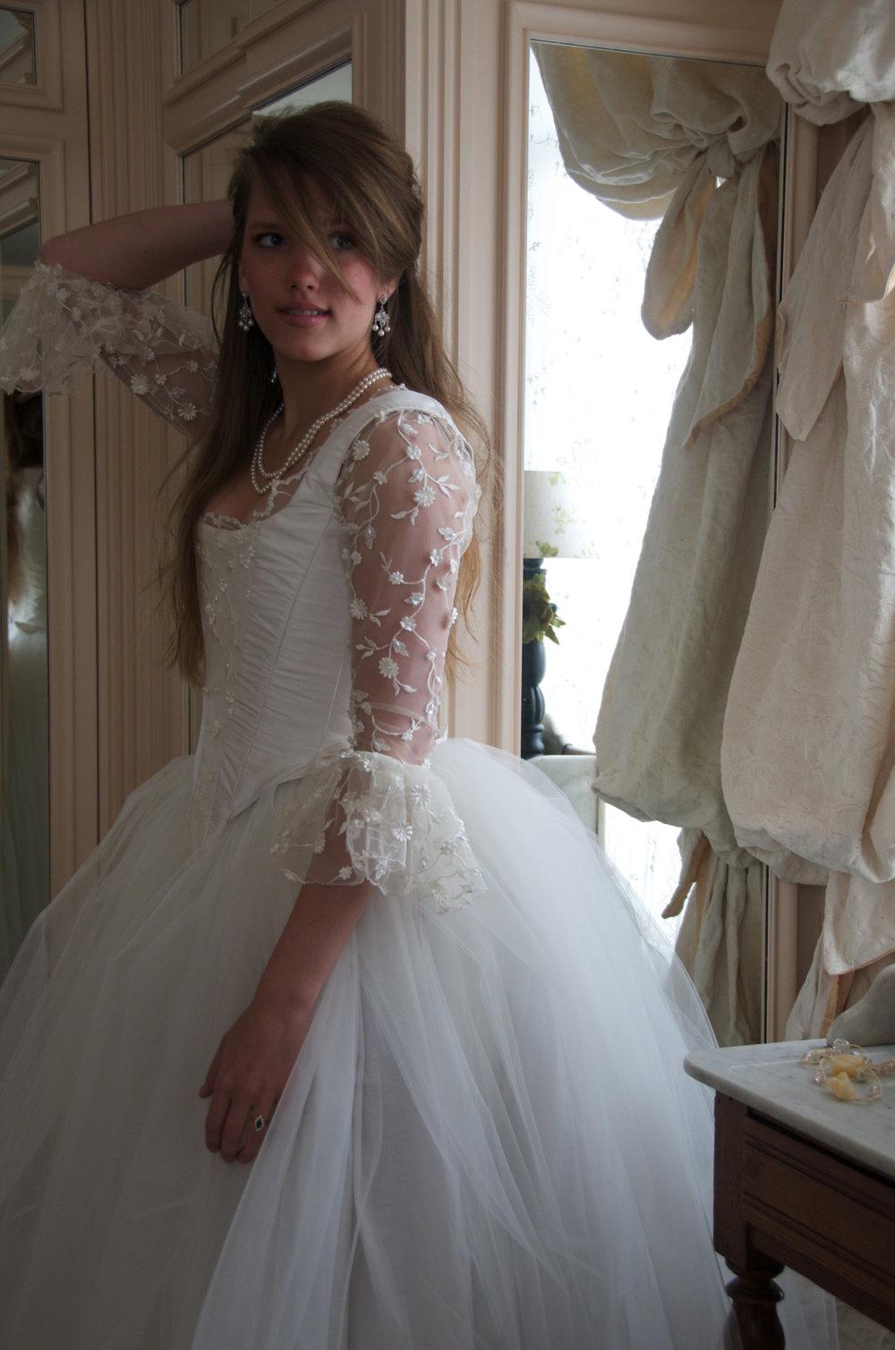 Robe de mariée inspiration 18e siècle Agnès Szabelewski.jpg