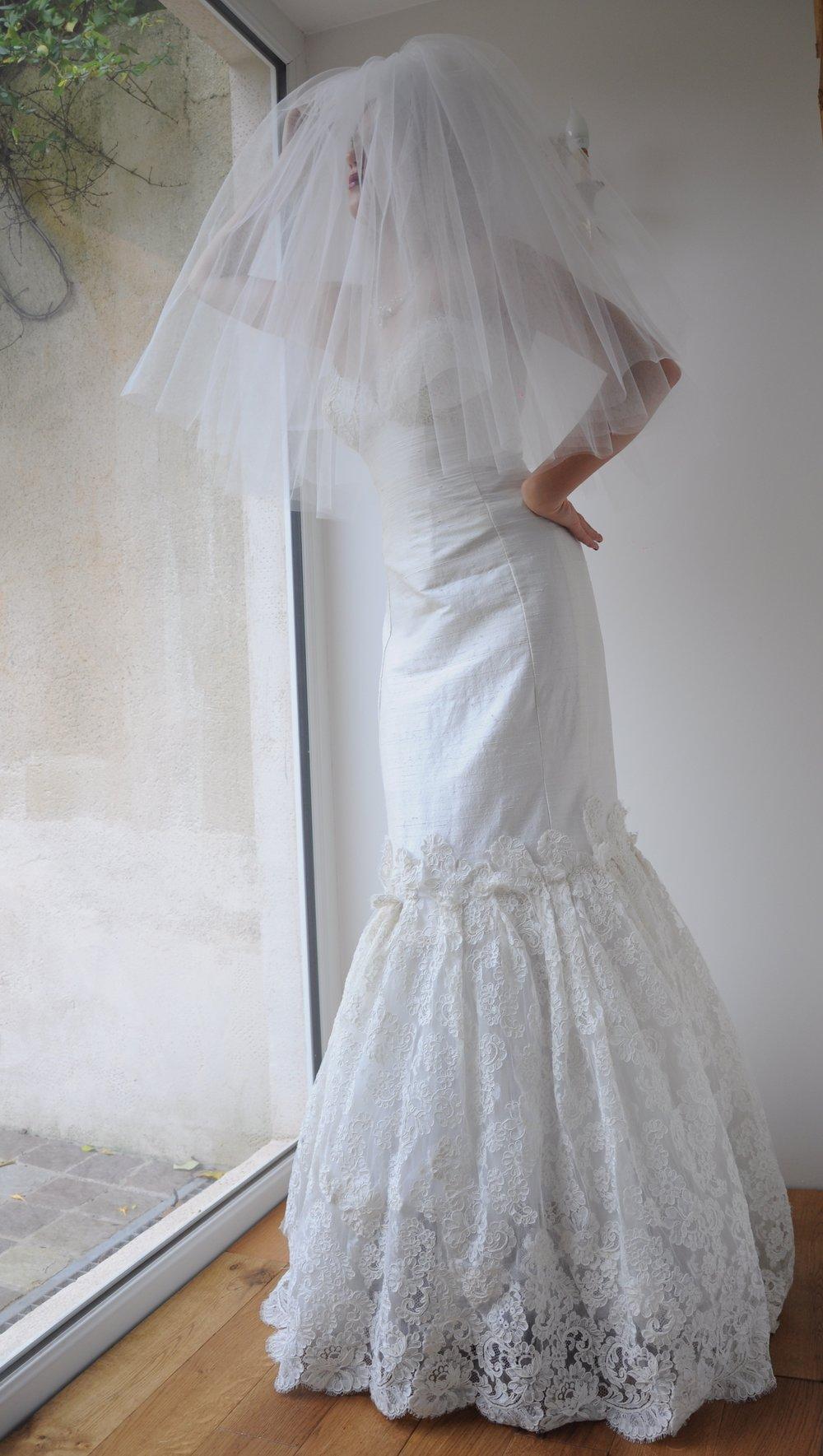 Robe de mariée sirène dentelle brodée Agnes Szabelewski.jpg