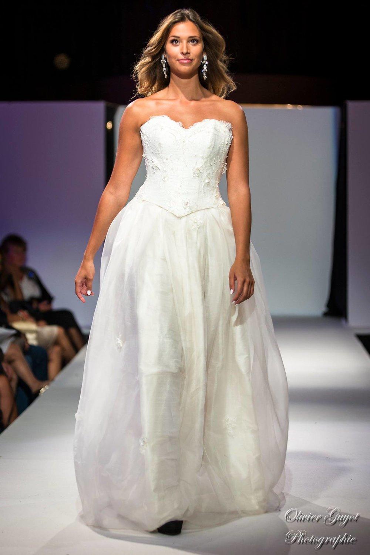 Robe de mariée Angelina soie et dentelle Agnes Szabelewski.jpg