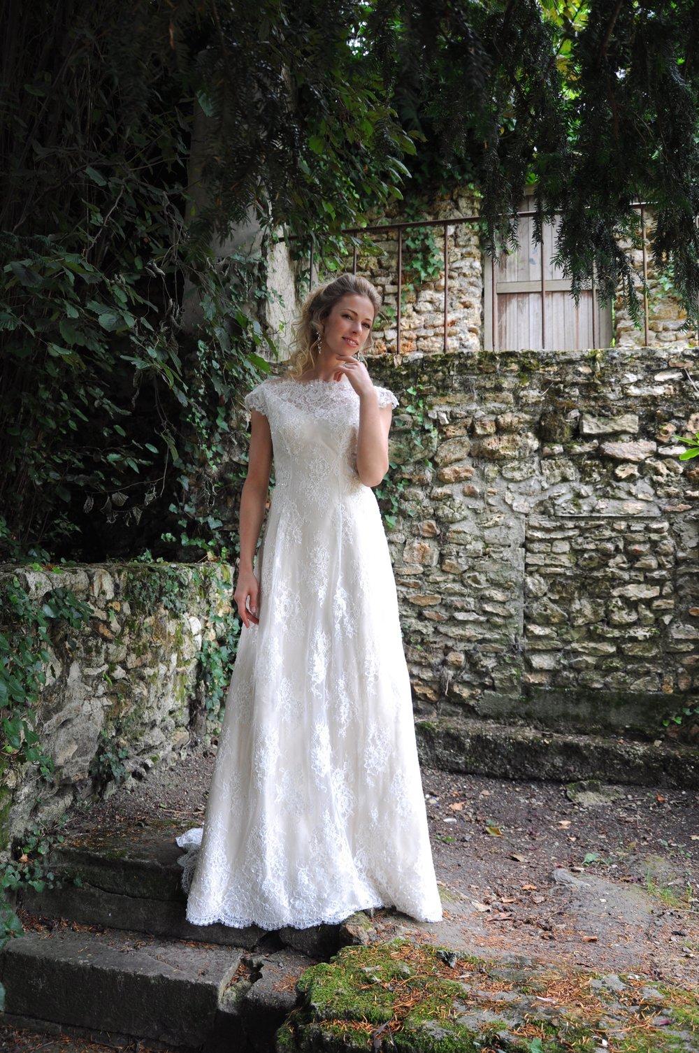 Robe de mariée romantique en dentelle Agnes Szabelewski.jpg