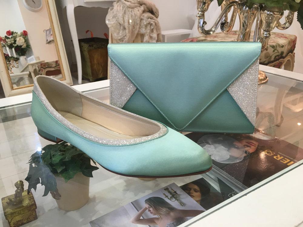 Chaussures et sac vert couleur sur mesure chez Agnès Szabelewski.jpg